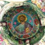 Христос Пантократор (Вседержитель). Роспись купола. Середина XIV века. Крестово-купольная церковь Святого Николая под кровлей XI в. Охраняется ЮНЕСКО.