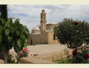 Церковь Святых Варнавы и Иллариона в Перистерони