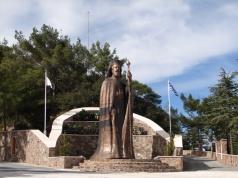 Памятник Президенту Кипра Архиепископу Макариосу